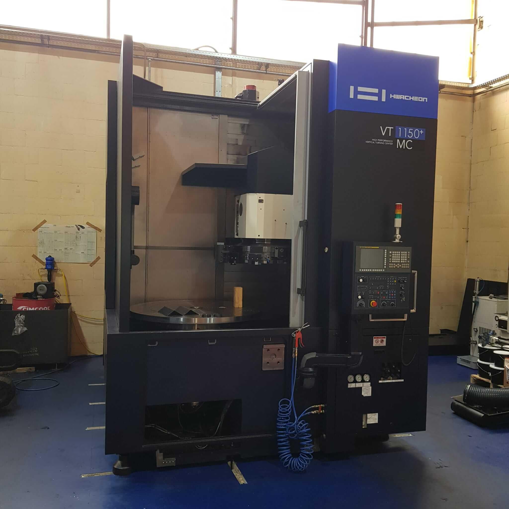 Hwacheon VT1150 - CNC freesmachine